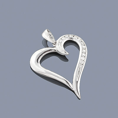 14K Gold Round Diamond Heart Pendant 0.30ct Main Image