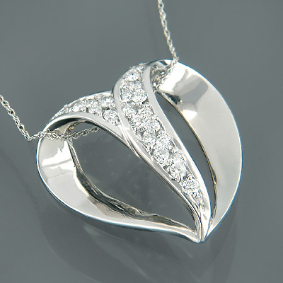 14K Gold Womens Round Diamond Heart Pendant 0.76ct Main Image