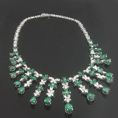 18K Gold Diamond & Emerald Necklace 13.31dtw 28.52etw Main Image