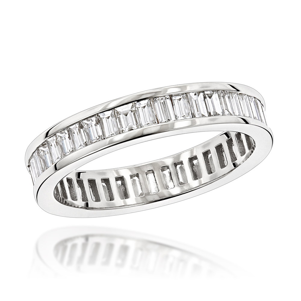 18K Gold Diamond Eternity Ring 2.72ct White Image