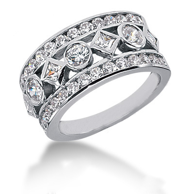 18K Gold Ladies Diamond Ring 1.69ct Main Image