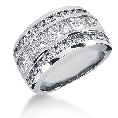 18K Gold Ladies Diamond Ring 3.20ct Main Image