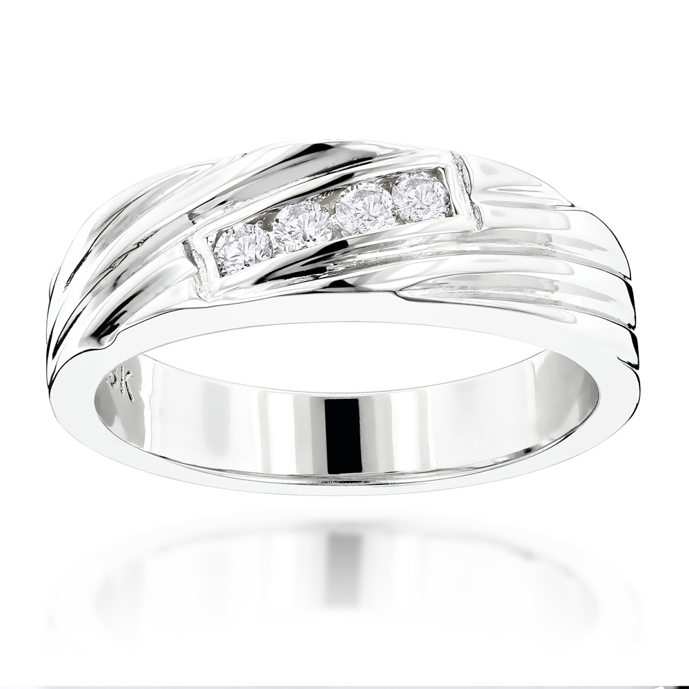 18K Gold Men's Diamond Wedding Ring 0.12ct White Image