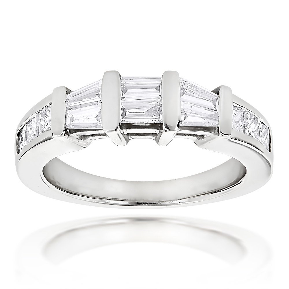 Baguette and Princess Cut Diamond Wedding Band for Women 0.9ct 14K Gold