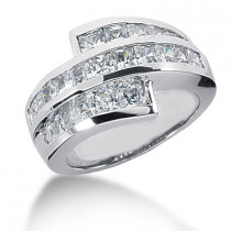 18K Gold Ladies Diamond Ring 2.42ct