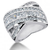 18K Gold Ladies Diamond Ring 3.43ct