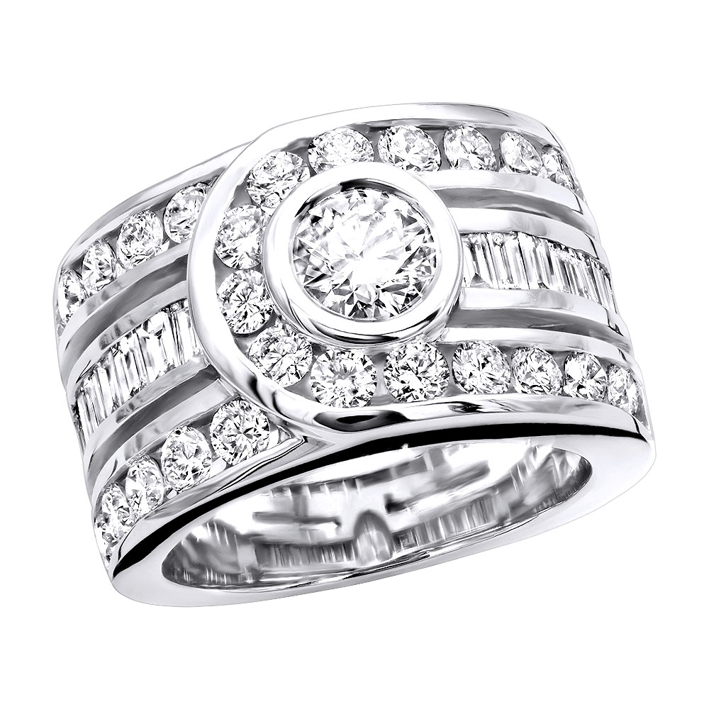 Unique 14K Gold Right Hand Diamond Ring for Women 3.01ct By Luxurman Main Image