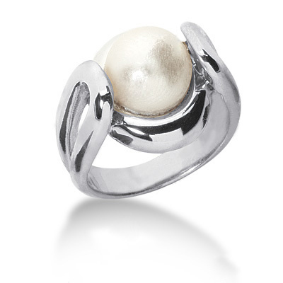 Ladies Pearl Ring 18k Gold Main Image