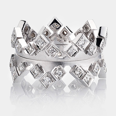 Luccello Diamond Crown Eternity Ring Set 18K Gold 0.64ct Main Image