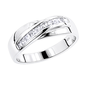 Make Your Wedding Remarkable by Gifting Him a Men's Diamond Ring from ItsHot.com